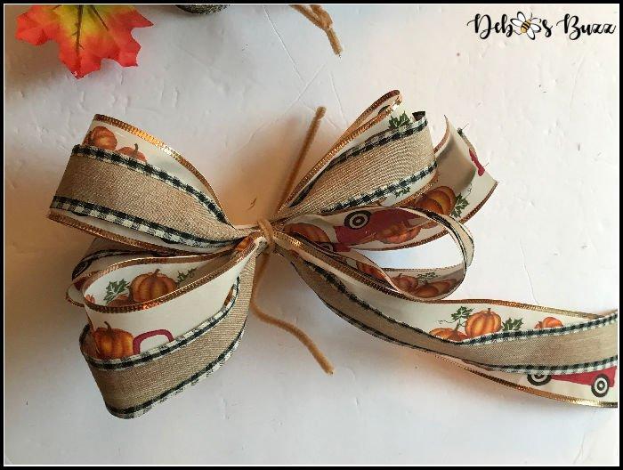 making-two-ribbon-fall-bow