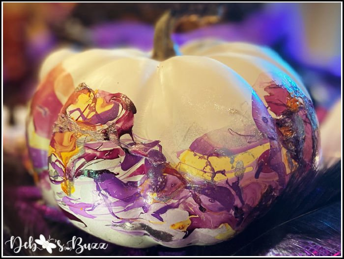 Easily Marble Pumpkins for Fall & Table Decor